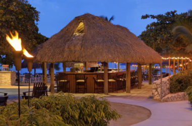 img-beach-bar-and-grill-hilton.jpg