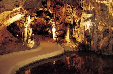 img-hato-caves-curacao.jpg