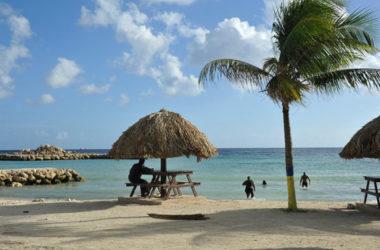 img-parasasa-beach-local.jpg