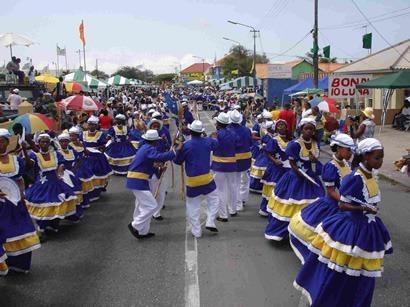 Curacaoharvestparade
