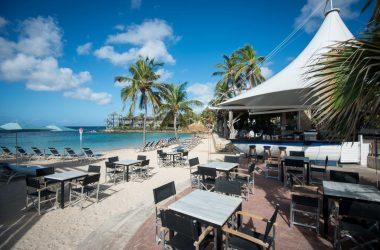 F&B - Avila's beach bar (Schooner Bar)