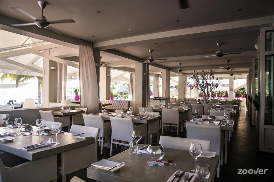 Papagayo-Beach-Club-Restaurant (1)