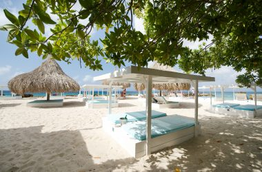 Zest-Beach-Bar-restaurant-Dining-Grill-Jan-Thiel-Curacao