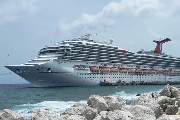 cruise-ship-curacao