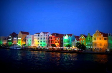 curacao-by-night-730-width
