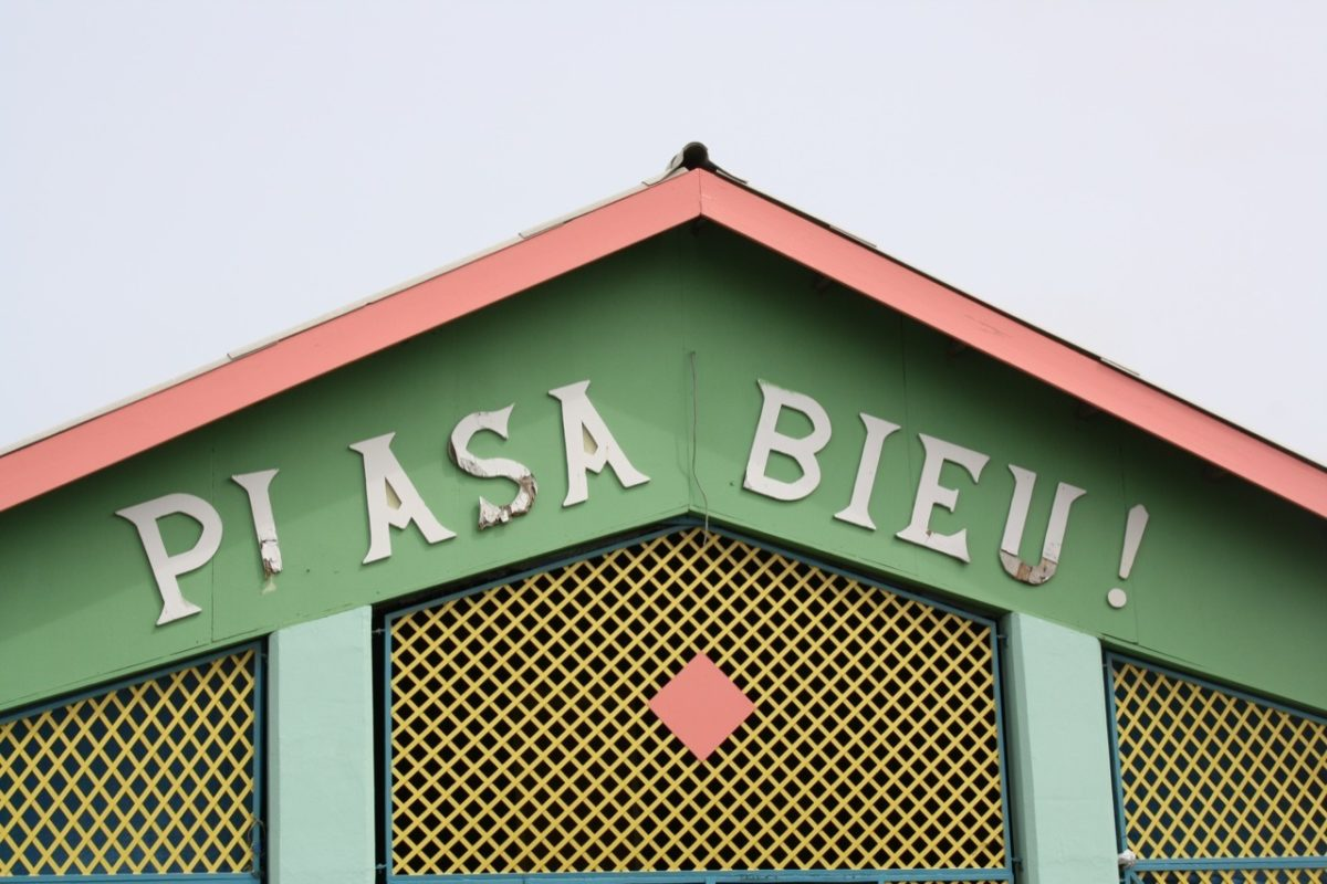 Plasa Bieu Curacao - local food